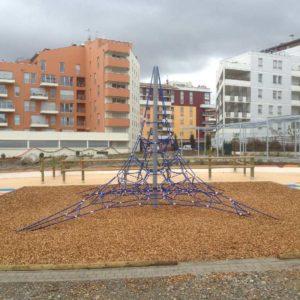 Aire de Jeux Ponts Jumeaux à Toulouse - Araignée